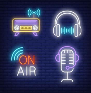 Fyra neonskyltar med radio-tema.